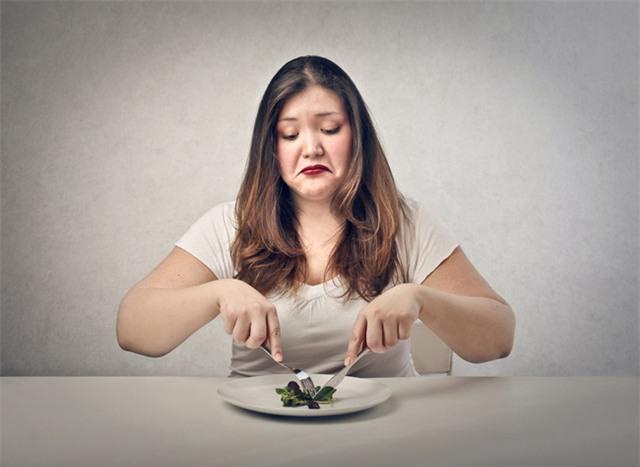 Phải gò ép bản thân ăn kiêng?